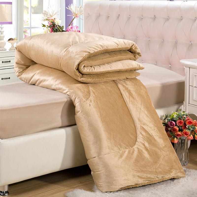 Chăn lông cừu cao cấp Kyoryo màu vang tạo sự sang trọng trong phòng ngủ của bạn
