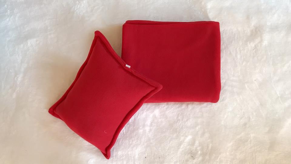 Bộ chăn gối văn phòng màu đỏ tươi