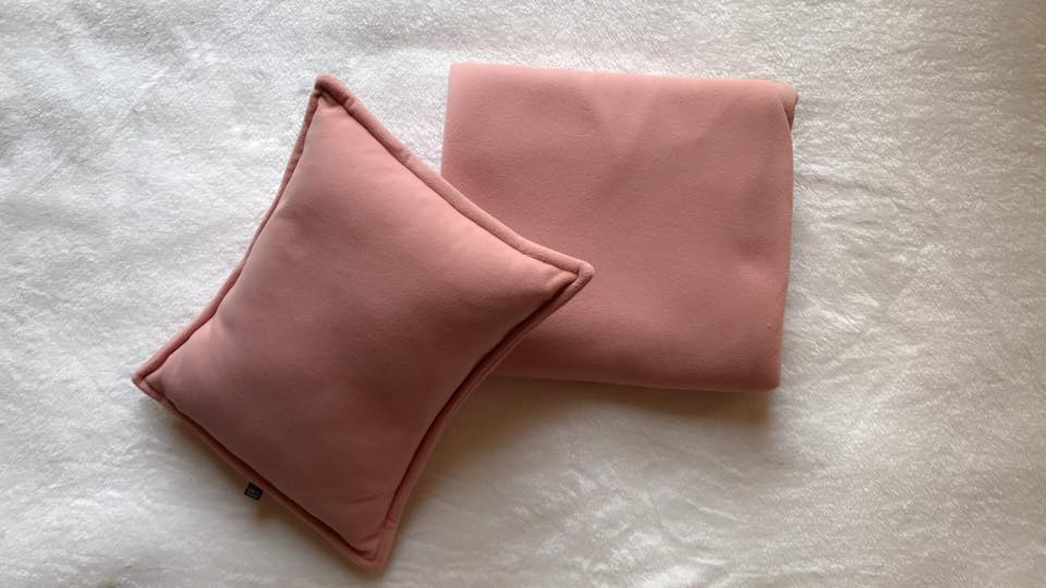 Bộ chăn gối màu hồng phấn
